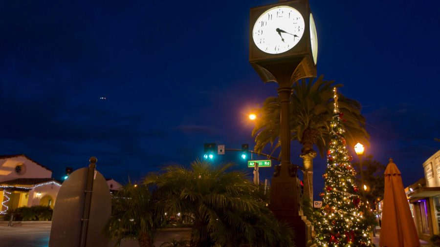 Downtown+Camarillo+shows+off+its+splendor+during+the+Holiday+Season.