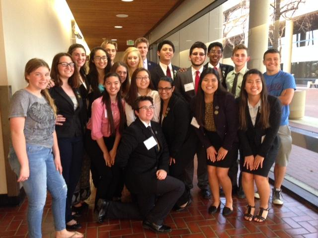Both+of+Cam+High%27s+mock+trial+teams+pose+at+the+Ventura+County+Courthouse.+