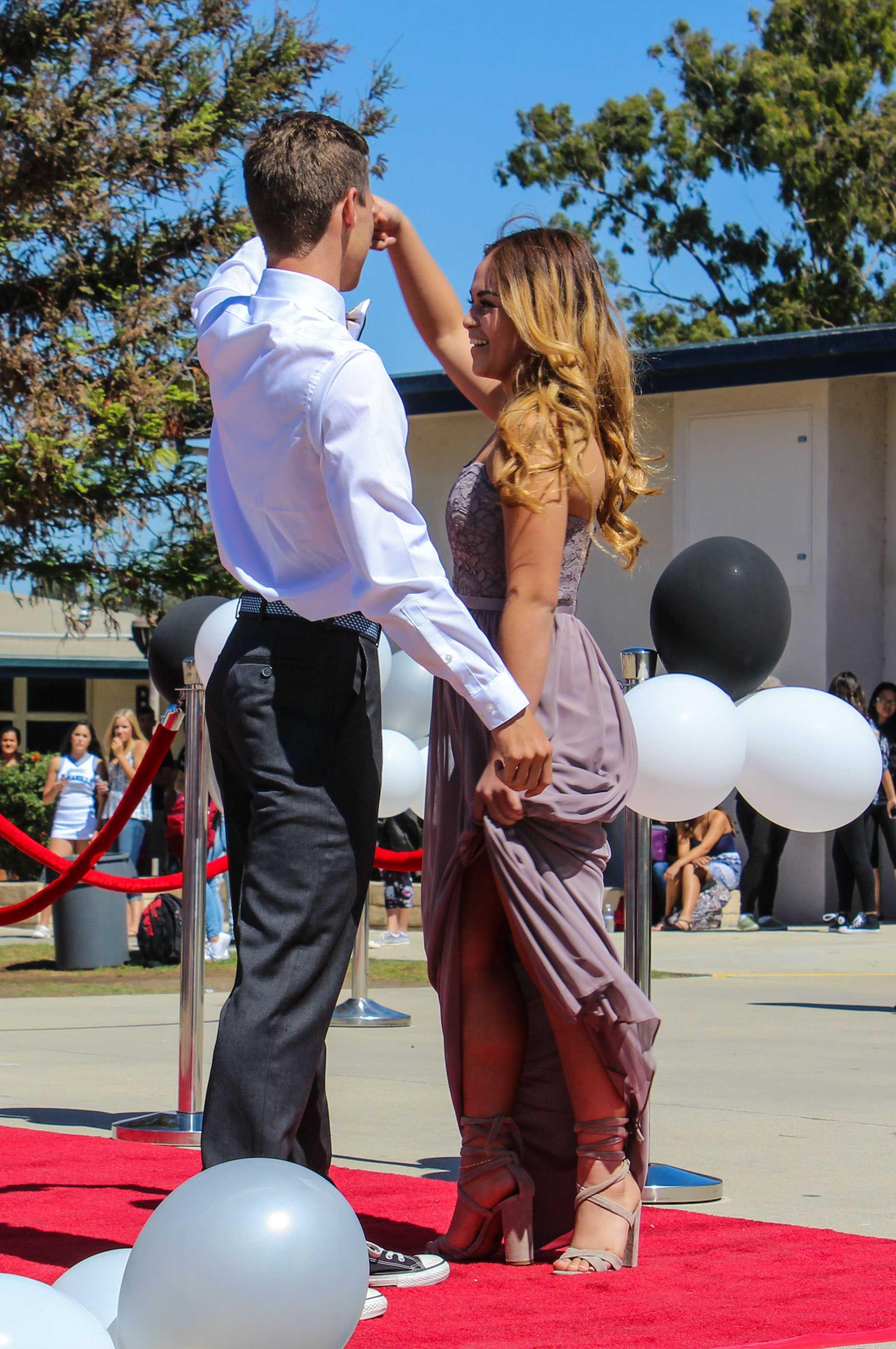 Hunter Davidson (senior) & Mia Fernandez (senior)