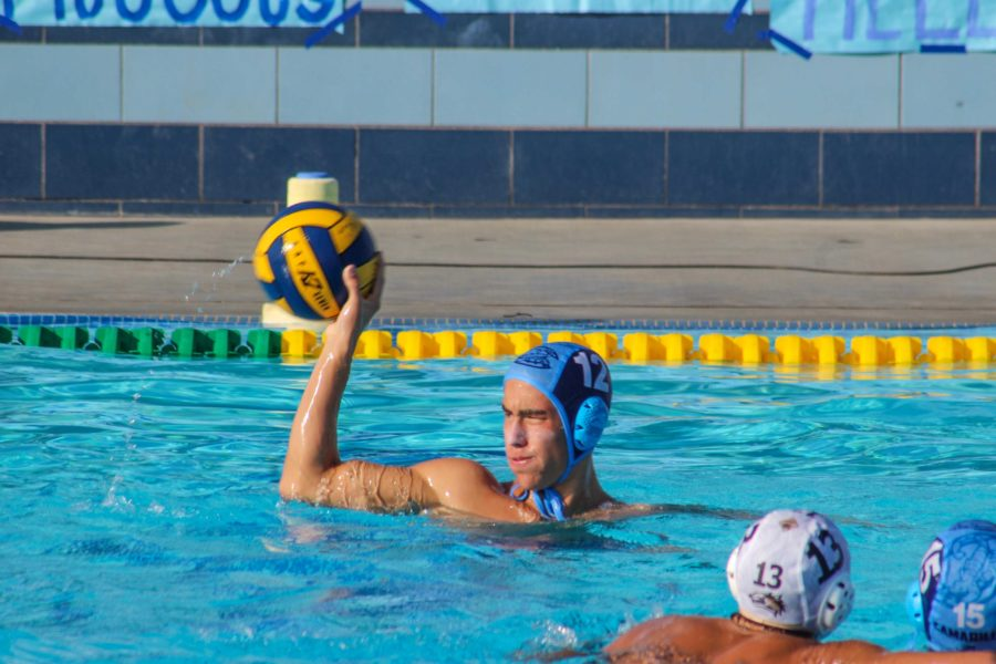 Senior+Michael+Rodriguez+looks+for+a+pass+during+the+last+home+water+polo+game+on+Friday.+Cam+High+beat+Calabasas+7-3.